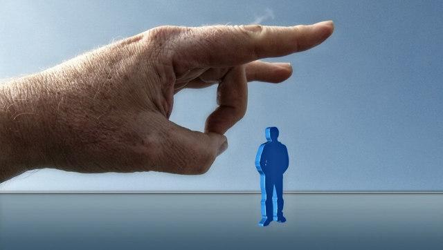 Какие существуют риски и последствия при прописке чужого человека в своей квартире