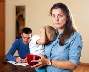 Обязательно ли подавать на алименты при разводе