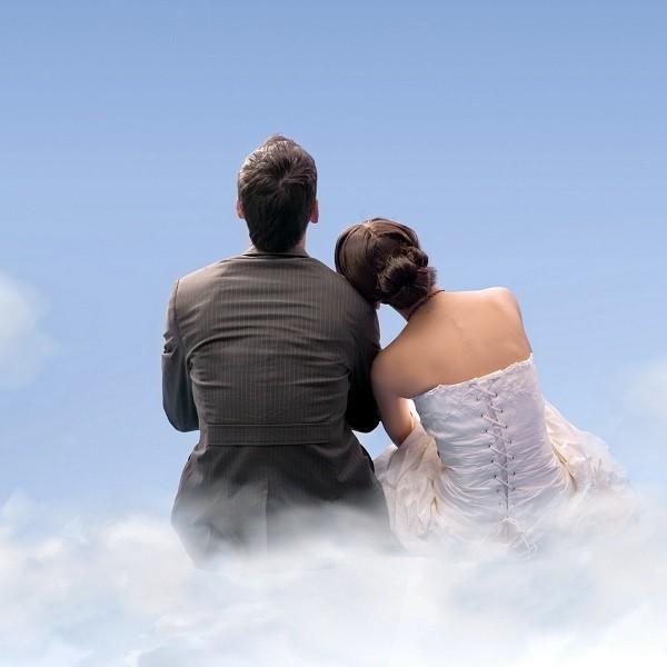 Стоит ли менять фамилию при замужестве