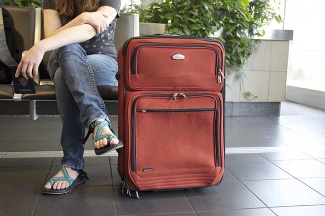 Как снять запрет на выезд ребенка за границу