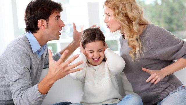 Как оспорить отцовство и вернуть алименты на ребенка