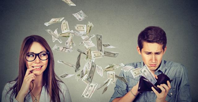 Кто оплачивает услуги адвоката при разводе