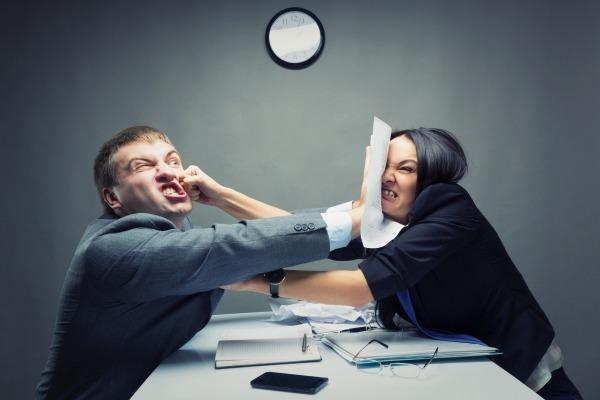 Кто может оспорить завещание на квартиру и как написать заявление об оспаривании