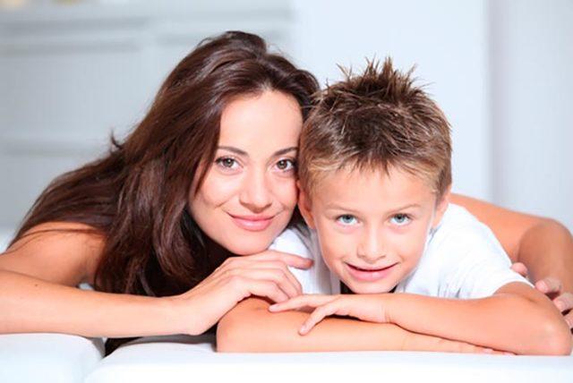 Можно ли усыновить ребенка незамужней женщине в россии