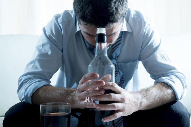 Муж пьет, что делать: совет психолога