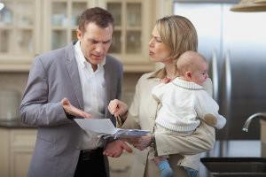 Как происходит установление отцовства и взыскание алиментов