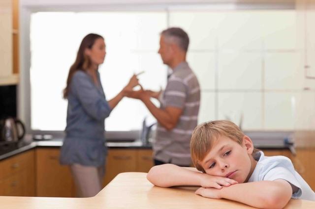 Может ли отец отказаться от ребенка и не платить алименты?