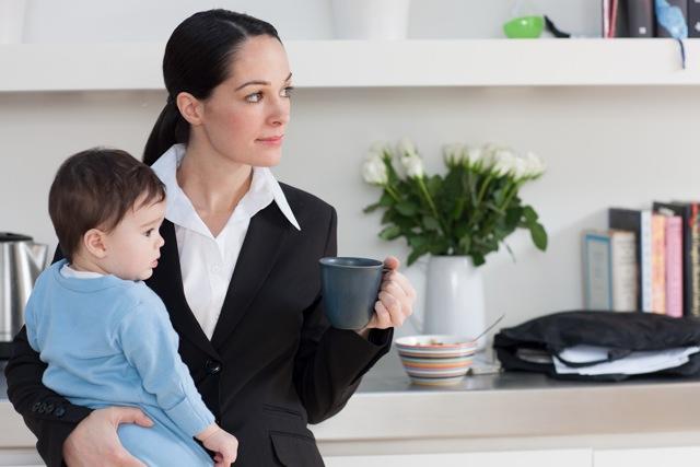Сокращение матери-одиночки из штата как согласно закону происходит увольнение женщины с работы, воспитывающей ребенка до 14 лет самостоятельно, без супруга
